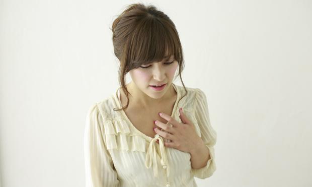 胸がドキドキする症状
