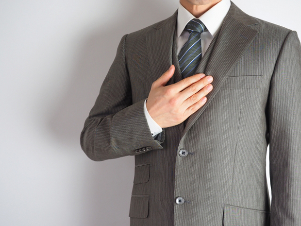 営業マンの腰と肩の重さと違和感