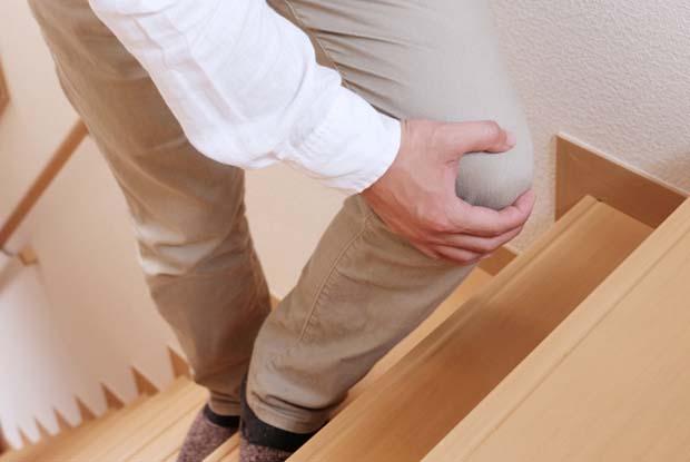 左ひざの違和感と肩周りの重さ